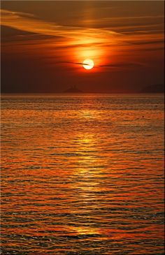 Sunrise Over Godrevy Lighthouse – Canvas Print
