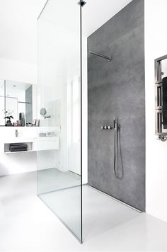 Wet room ideas - Scandinavian-inspired wet rooms are the way forward! Wet room ideas - Scandinavian-inspired wet rooms are the way forward! Scandinavian Bathroom Design Ideas, Modern Bathroom Design, Bathroom Interior Design, Bath Design, Toilet Design, Key Design, Scandinavian Design, Minimalist Showers, Bathroom Ideas