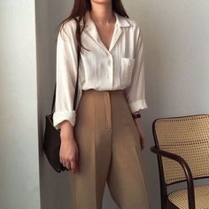 Bollywood Fashion 588212401320326433 - ✔ Fashion Summer Office Business Casual Source by seulementclara Business Casual Outfits, Office Outfits, Cute Casual Outfits, Casual Pants, Office Fashion, Business Fashion, Trendy Fashion, Business Shoes, Business Style