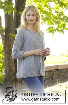 """Come Here - Knitted DROPS jumper with raglan and seed st worked top down in """"Cotton Merino"""". - Free pattern by DROPS Design Crochet Pullover Pattern, Cardigan Pattern, Jacket Pattern, Top Pattern, Free Pattern, Knit Crochet, Knitting Patterns Free, Knit Patterns, Free Knitting"""
