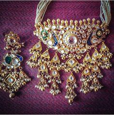 Price For Gold Jewelry Royal Jewelry, India Jewelry, Rose Gold Jewelry, Gold Jewellery, Rajput Jewellery, Wedding Necklace Set, Indian Wedding Jewelry, Jewelry Model, Latest Jewellery