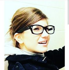 Elise Bauman Elise Bauman, Carmilla, Actors, Lady, Lesbian, Geek, Tv, Friends, Movies