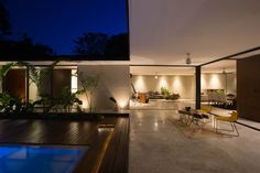 Located in the Golf Club La Ceiba in the Yucatan peninsula. The project is erected within a lot with abundant vegetation, which is why the architecture was a...