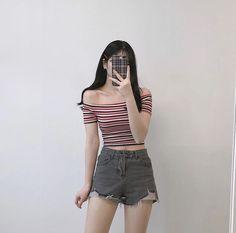 Korean Fashion Summer, Korean Girl Fashion, Ulzzang Fashion, Korea Fashion, Japanese Fashion, Cute Fashion, Casual Shorts Outfit, Crop Top Outfits, Short Outfits