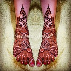 Leg Henna Designs, Legs Mehndi Design, Mehndi Designs Feet, Arabic Henna Designs, Full Hand Mehndi Designs, Mehndi Design Pictures, Wedding Mehndi Designs, Mehndi Designs For Fingers, Beautiful Mehndi Design