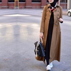 Bu hafta her kombinimde kullandigim aksesuar @albarosaa fularim sade bir kombine renk katan parcalara bayilirim ❤️ • #hijabfashion #hijabmodesty #hijabonline #fromwhereistand #hijabtutorial #hijab #hijabista #hijabstyle #hijaber #hijabstore #hijabdaily #modesty #modestfashion #fashion #hijabcantik #hijabmodern #muslimah #style #streeystyle #hijabhigh #hijabtrend #hijabcasual #abaya #hijabchic #chichijab #streetstyle #streetwear #streetfashion