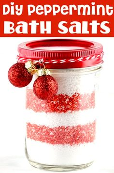 Salts DIY Recipe with Peppermint Essential Oils! This easy Bath Salt Recip. Salts DIY Recipe with Peppermint Essential Oils! This easy Bath Salt Recip. Creative Gifts For Boyfriend, Bath Salts Recipe, How To Double A Recipe, Jar Gifts, Diy Christmas Gifts, Homemade Gifts, Peppermint, Frugal, Best Gifts