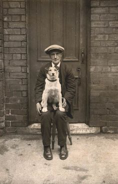 Vintage photo - Jack Russell Terrier and man Old Pictures, Vintage Pictures, Puppy Pictures, Parson Russell Terrier, Vintage Ladies, Tier Fotos, Fox Terrier, Terriers, Cute Kittens
