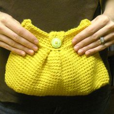 "Ravelry: Easy ""Pleated"" Crochet Bag pattern by Tara Murray"