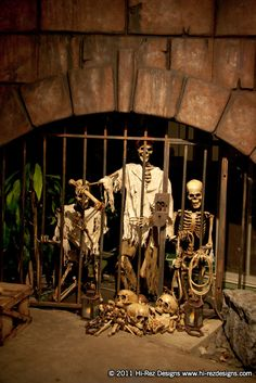 pirates of the carribean halloween | ... Designs: Pirates of the Caribbean - 2011 Halloween Home Haunt Display
