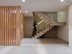 Casa Concreto: Pasillos, vestíbulos y escaleras de estilo minimalista de RUBÉN MUEDRA ESTUDIO DE ARQUITECTURA