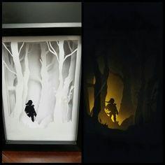 It's a ZELDA shadow box! But make the light GREEN ~ ~ ~ Legend of Zelda themed light box. Paper Art is not as hard as it looks Shadow Light Box, Shadow Box, Atelier Creation, Nerd Decor, Paper Art, Paper Crafts, Diy Cadeau, Paper Light, Origami Box