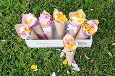 Rożki Kwiatowe dla gości #dekoracje #ślubne #ślub #wesele #zielonenabialym #slubjeleniagora #florystyka #wedding #gift #decor