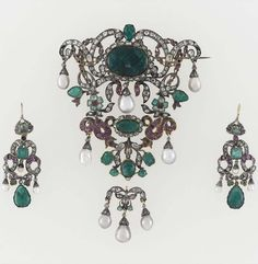 Emerald demi parure in the style of the 17th century (earrings, brooch), mid 19th century?, silver; brilliant-cut diamonds; emeralds; rubies; baroque pearls From Paris, Musée du Louvre