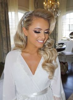 Amazing Wedding Makeup Tips – Makeup Design Ideas Fresh Wedding Makeup, Wedding Makeup For Blue Eyes, Beach Wedding Makeup, Natural Wedding Makeup, Blue Eye Makeup, Bridal Hair And Makeup, Wedding Hair And Makeup, Hair Makeup, Hair Wedding