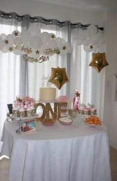 42 Ideas Baby Shower Ideas For Girls Themes Twinkle Twinkle Star Party Star Baby Showers, Baby Shower Parties, Baby Shower Themes, Baby Shower Decorations, Shower Ideas, Star Decorations, Twinkle Twinkle Little Star Birthday, Twinkle Star Party, Baby Girl 1st Birthday