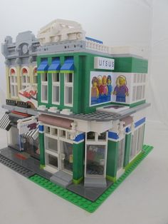 Ursus & Star Shoes- Godwin's Hollow: A LEGO® creation by Stewart & Sydney Godwin : MOCpages.com