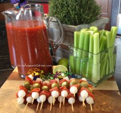 Self-Serve Bloody Mary Bar with Antipasto Skewers – brunch Birthday Brunch, Easter Brunch, Sunday Brunch, Mary Birthday, Bar Drinks, Cocktail Drinks, Cocktail Recipes, Beverages, Margarita Recipes
