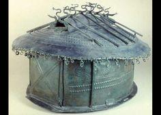 Urna a capanna villanoviana   bronzo, IX sec. a. C., Museo Nazionale Etrusco di Villa Giulia, Roma
