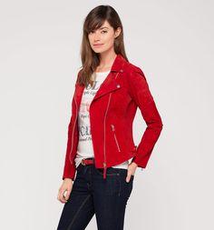 czerwona kurtka C&A