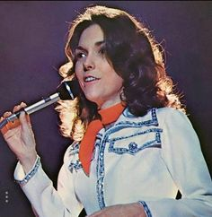 Free as a song, singin' forever.only yesterday. Richard Carpenter, Karen Carpenter, Beautiful Voice, Beautiful Eyes, Goodbye To Love, Karen Richards, We Will Rock You, Forever Young, Girly Girl