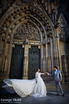 St.Vitus Cathedral Prague is a perfect place for pre-wedding photography in grand style, view more www.georgehlobil.com #preweddingprague #overseasprewedding #prague #preweddingphoto #pragueweddingphotographer #stvituscathedral #praguecastle