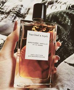 "Van Cleef Arpels ""Orchidée Vanille No. Perfume Scents, Perfume Oils, Perfume Bottles, Van Cleef Arpels, Parfum Chic, Parfum Victoria's Secret, Perfume Body Spray, Best Perfume, Chanel Perfume"