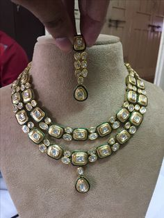 35 ideas jewerly necklace statement bling sparkle for 2019 Diy Jewelry Necklace, Jewelry Design Earrings, Gold Rings Jewelry, Necklaces, Indian Jewelry Sets, Indian Wedding Jewelry, Bridal Jewelry, Diamond Necklace Set, Jaipur