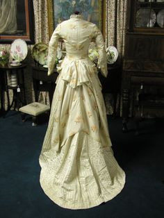 1880's Champagne Peach Silk Exotic Floral Bustle Gown | eBay