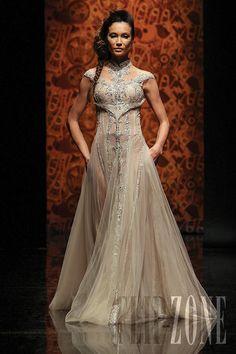 "Randa Salamoun - Couture - ""Moments collection"", F/W 2010-2011 - http://en.flip-zone.com/fashion/couture-1/independant-designers/randa-salamoun-1861"