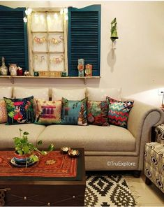 50 ideas apartment cute decor couch for 2019 Indian Room Decor, Ethnic Home Decor, Chic Apartment Decor, Living Room New York, Floor Seating, Cute Room Decor, Home Decor Furniture, Decoration, Living Room Decor