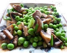 Sauteed Peas with Mushrooms and Green Onions