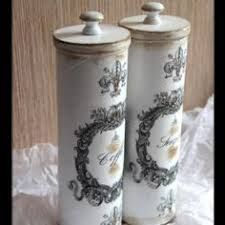How to turn a Pringles can into this beauty Tin Can Crafts, Diy And Crafts, Paper Crafts, Decoupage Box, Decoupage Vintage, Pringles Can, Shabby Chic Crafts, Bottle Art, Diy Art