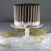 Triple layer cake au chocolat et aux Mikados - www.puregourmandise.com