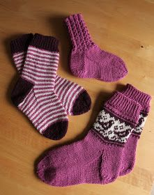 Mitten Gloves, Knitting Socks, Fashion, Bebe, Knit Patterns, Knit Socks, Moda, Fashion Styles, Fashion Illustrations