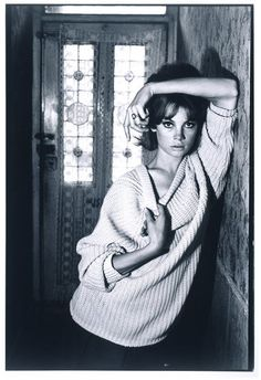 Jean Shrimpton at 91 Heigham Road by David Bailey, London, 1961. l Victoria and Albert Museum #fashion #photography