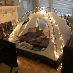 sleepover couple Ideas For Cute Camping Ideas Tent Forts Sleepover Room, Fun Sleepover Ideas, Camping Ideas, Camping Hacks, Diy Camping, Camping Activities, Camping Date, Lake Camping, Camping Grill