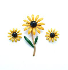 Hey, I found this really awesome Etsy listing at https://www.etsy.com/listing/189484911/vintage-sunflower-black-eye-susan-enamel