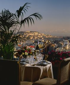 Romantic diner in Lisbon, Portugal #honeymoon #wedding
