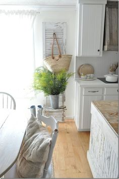 Fall Farmhouse kitchen, Becky Cunningham Home, Buckets of Burlap blog, goldenrod, farmhouse, reclaimed wood venthood