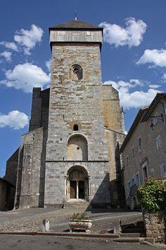 Cathédrale Notre-Dame de Saint-Bertrand de Comminges - Clocher et parvis
