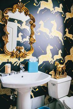Scalamandre Zebra wallpaper in powder room Zebra Wallpaper, Wallpaper Wall, Bathroom Wallpaper, Black Wallpaper, Classic Wallpaper, Interior Design Trends, Home Design, Interior Decorating, Decorating Tips