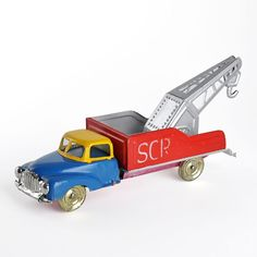 Crane truck by AML, the last manufacturer of tin toys in Portugal.