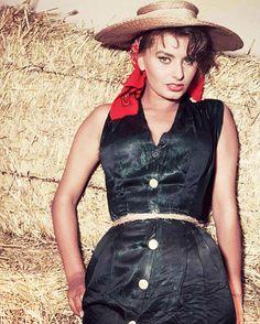 howtowhistle:  Sophia Loren in La Donna Del Fiume (Woman Of The River), 1954. (x)
