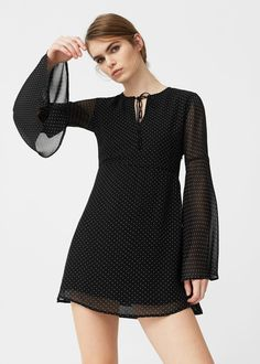 Latest trends in women's dresses. New models every week: short, long, party and evening dresses. Cute Dresses, Casual Dresses, Short Dresses, Fashion Dresses, Dresses With Sleeves, Mango France, Black Long Sleeve Dress, Dress Long, Mode Hijab