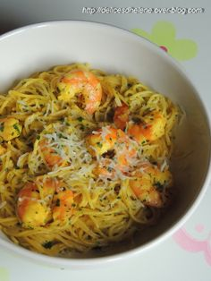 SPAGHETTI AUX CREVETTES ET AU SAFRAN Regional, Ethnic Recipes, Blog, Shrimp Spaghetti, French Food, Grated Cheese, Seafood, Other