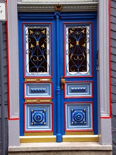 The Brightest Door in Town, Goslar by Kimhaz, via Flickr.com