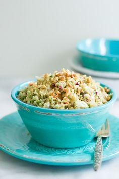 Quinoa Cabbage Salad - This quinoa cabbage salad is full of color, crunch, and quinoa! Betcha can't say that five times fast. | primaverakitchen.com