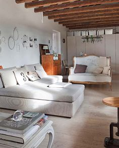 Deja que tu cabeza se llene de buenas ideas al ver esta casa tan inspiradora de estilo rústico chic. ¿Qué te parece?