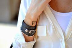 Balenciaga Bracelet, Small Tattoos, Piercing, Eye Candy, Jewels, Detail, Bracelets, Closet, Outfits